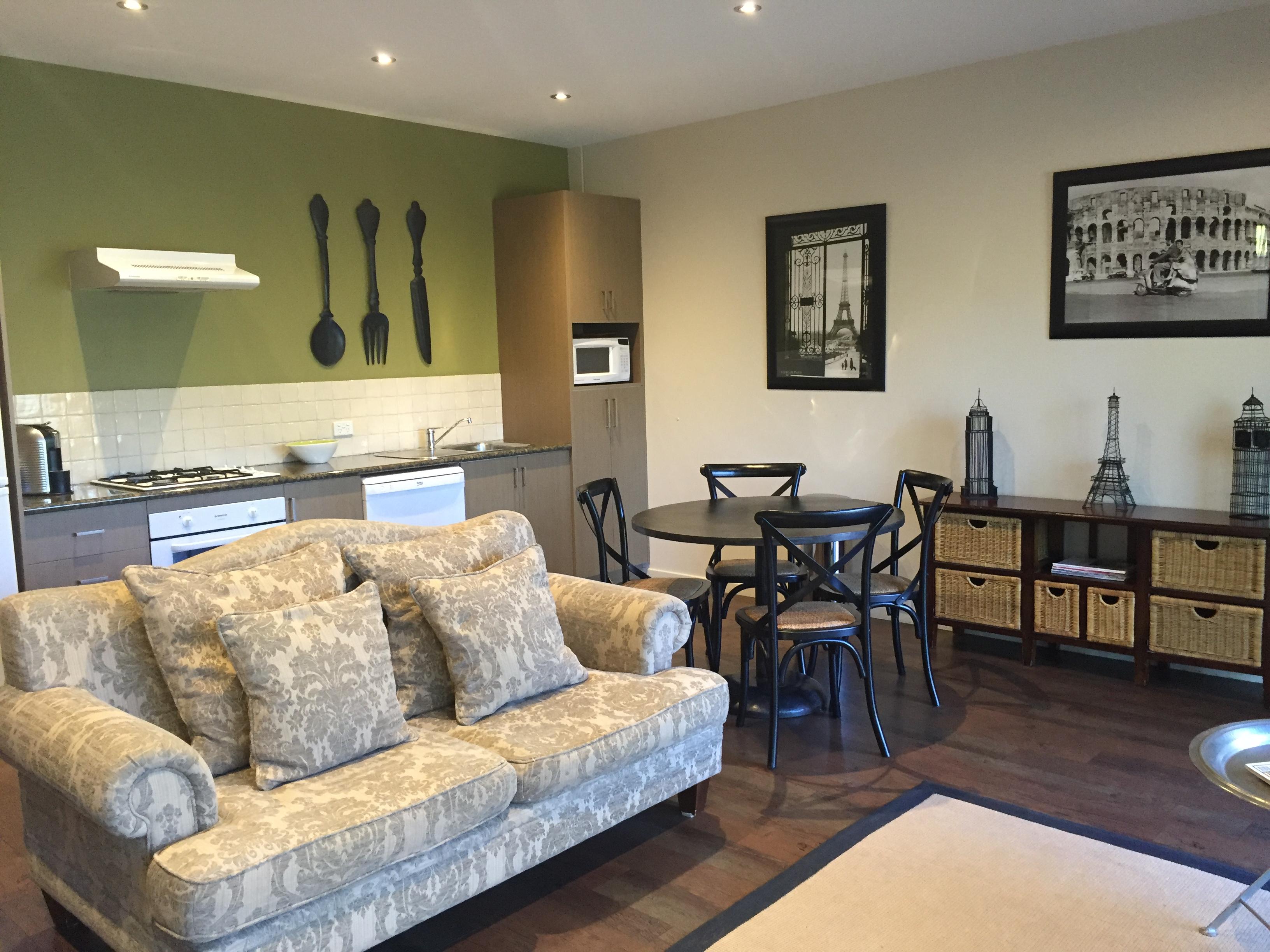 Riverview Apartment 6. Rooms   Adelphi Apartments